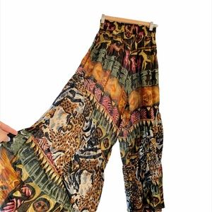 GROOVY URBAN OUTFITTERS PRINTED FLARED PANTS 🔥